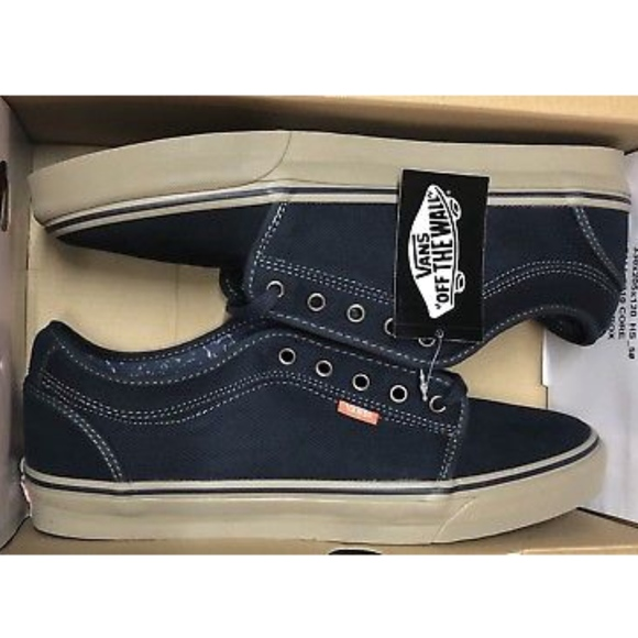 Vans Chukka Low Navy Warm Grey Shoes Men Size 7</p>                     </div> 					<!--bof Product URL --> 										<!--eof Product URL --> 					<!--bof Quantity Discounts table --> 											<!--eof Quantity Discounts table --> 				</div> 			</dd> 						<dt class=
